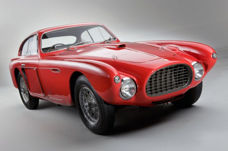 Ferrari 340 America : voiture de collection à grosse cylindrée